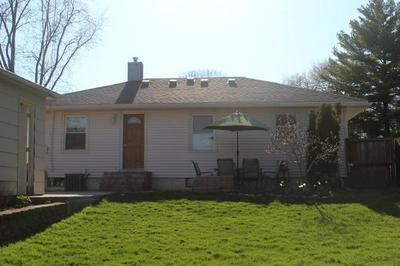 109 N RIDGEMOOR AVE, Mundelein, IL 60060 - Photo 2