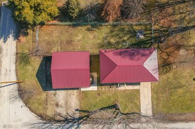 308 N WALNUT ST, CLINTON, IL 61727 - Photo 1