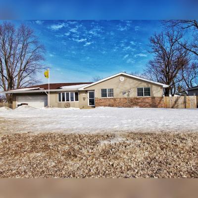 910 S BRIGGS ST, Joliet, IL 60433 - Photo 1