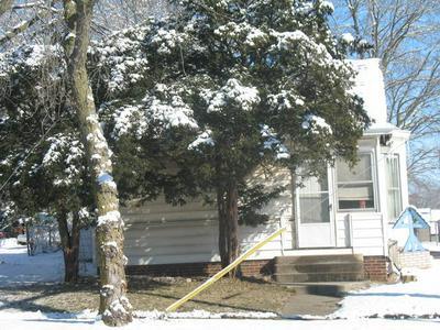 516 S MADISON ST, CLINTON, IL 61727 - Photo 2