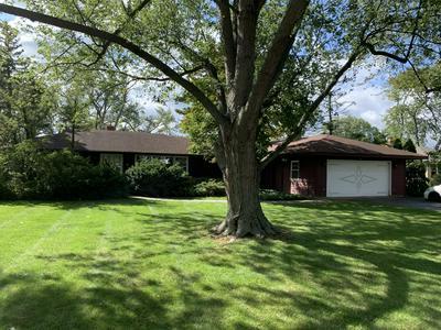 3611 COUNTRYSIDE LN, Glenview, IL 60025 - Photo 1