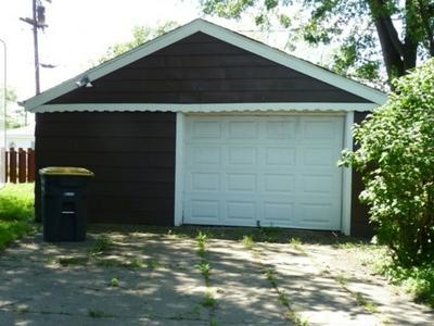 17052 GREENBAY AVE, LANSING, IL 60438 - Photo 2