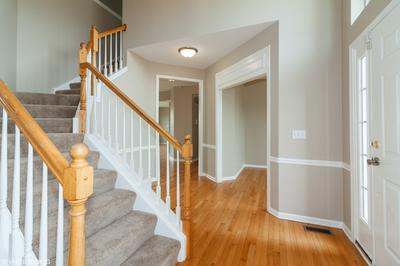 1 HOGAN CT, BOLINGBROOK, IL 60490 - Photo 2