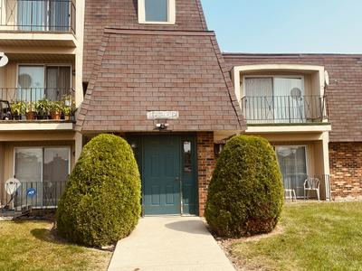 17963 HUNTLEIGH CT APT 203, Country Club Hills, IL 60478 - Photo 1