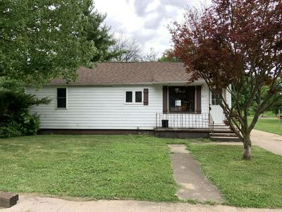 917 CHARLES ST, Streator, IL 61364 - Photo 1
