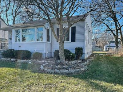 18538 WENTWORTH AVE, Lansing, IL 60438 - Photo 2