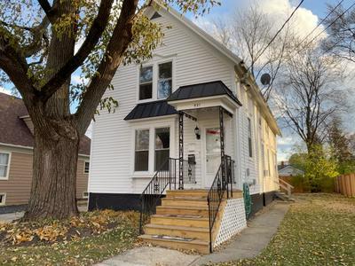 421 WASHINGTON ST, Barrington, IL 60010 - Photo 1