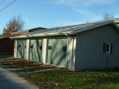 202 MARKET ST, PROPHETSTOWN, IL 61277 - Photo 2