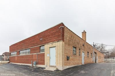 7830 W 47TH ST, Lyons, IL 60534 - Photo 1