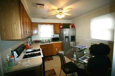 437 SUWANEE ST, Park Forest, IL 60466 - Photo 2