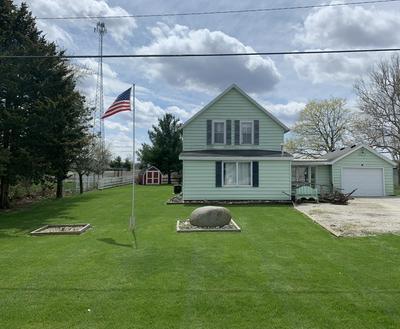 801 W OAK ST, Fairbury, IL 61739 - Photo 2