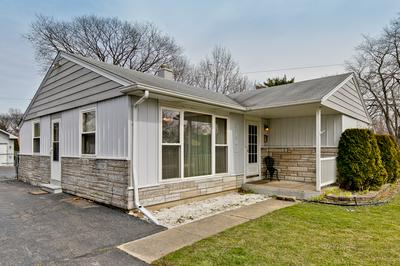 2102 EASTMAN ST, ROLLING MEADOWS, IL 60008 - Photo 2