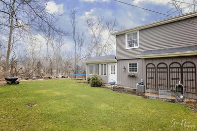 300 KIMBERLY RD, NORTH BARRINGTON, IL 60010 - Photo 2