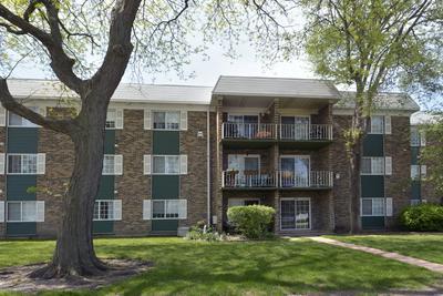 1619 N WINDSOR DR APT 109, Arlington Heights, IL 60004 - Photo 1