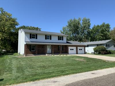 410 N WASHINGTON ST, HUDSON, IL 61748 - Photo 2