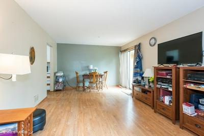 645 OVERLAND TRL, Roselle, IL 60172 - Photo 2