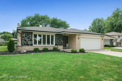 413 CLAREMONT DR, Downers Grove, IL 60516 - Photo 1