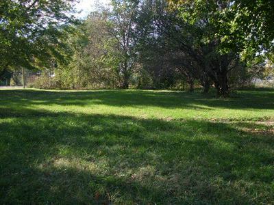 420 N CENTRAL ST, Gilman, IL 60938 - Photo 1