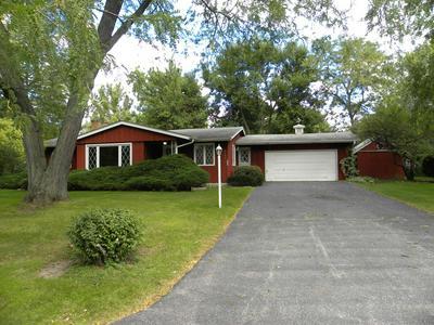 2155 ROCKWELL RD, Aurora, IL 60506 - Photo 2