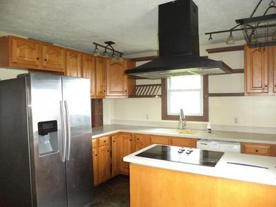 11182 E 350 NORTH RD, Heyworth, IL 61745 - Photo 2
