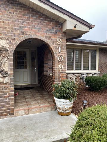 9109 S 84TH AVE, HICKORY HILLS, IL 60457 - Photo 2