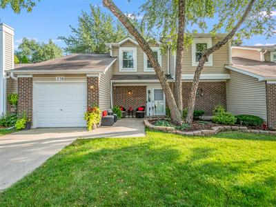 258 HEARTHSIDE DR, Bloomingdale, IL 60108 - Photo 1