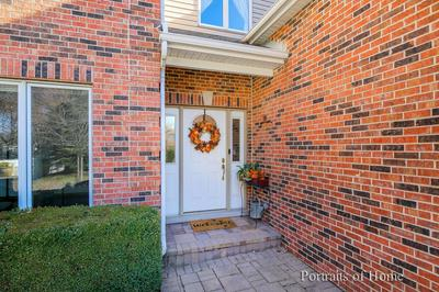 605 S BEVERLY AVE, Addison, IL 60101 - Photo 2