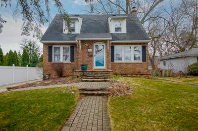29 N HIGHLAND AVE, LOMBARD, IL 60148 - Photo 1