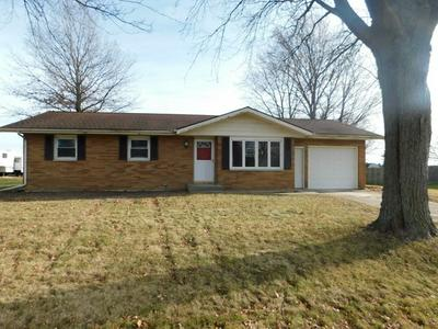 8925 S LYNN ST, ROCHELLE, IL 61068 - Photo 1