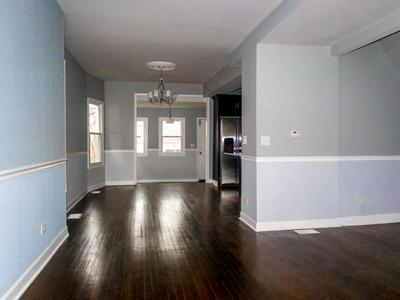 924 N LAWLER AVE, CHICAGO, IL 60651 - Photo 2