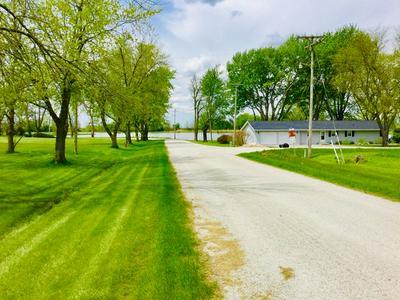 319 LAKE DR, Sibley, IL 61773 - Photo 2