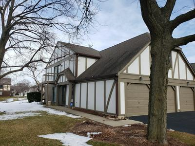 908 STOCKLEY RD # 1-1, Downers Grove, IL 60516 - Photo 1