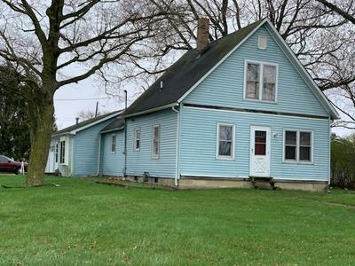 327 N JOHNSON ST, Rankin, IL 60960 - Photo 2