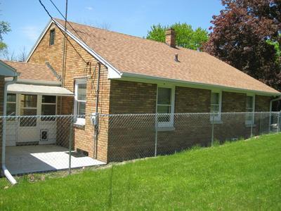 901 7TH ST, Fulton, IL 61252 - Photo 2