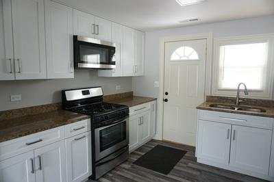 1117 JACKSON ST, Aurora, IL 60505 - Photo 2