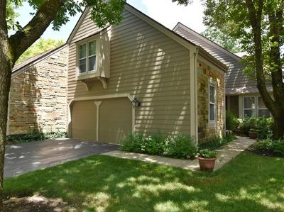 77 WHITTINGTON CRSE # 77, Saint Charles, IL 60174 - Photo 2