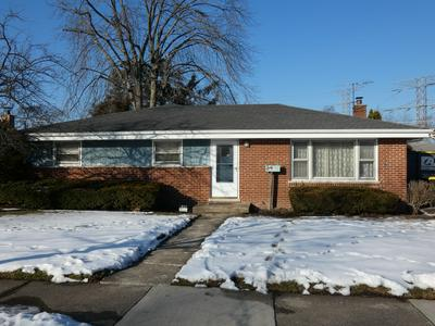 435 FOREST PRESERVE DR, Wood Dale, IL 60191 - Photo 1