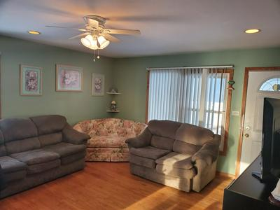 1328 LESLIE CT, GLENDALE HEIGHTS, IL 60139 - Photo 2