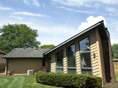 8502 CANDLELIGHT DR W, Willow Springs, IL 60480 - Photo 2