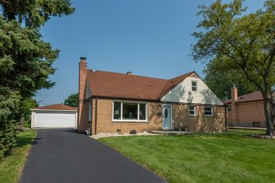 324 ORCHARD TER, Roselle, IL 60172 - Photo 1