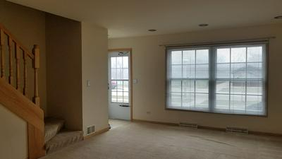 865 COUNTRY CLUB DR APT D, LIBERTYVILLE, IL 60048 - Photo 2