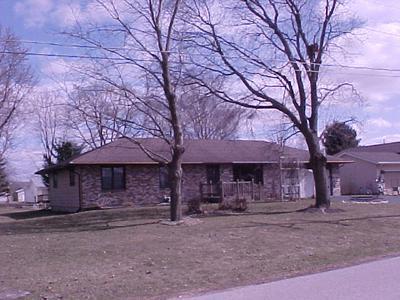 405 S EAST ST, CAPRON, IL 61012 - Photo 1
