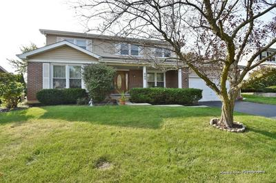 665 ANDREW LN, Carol Stream, IL 60188 - Photo 1