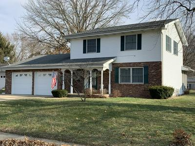 66 HOLIDAY DR, CLINTON, IL 61727 - Photo 2