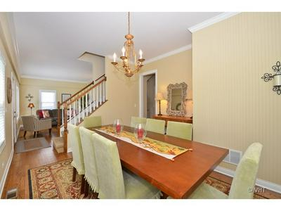 2032 BRENTWOOD RD, NORTHBROOK, IL 60062 - Photo 2
