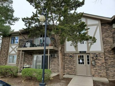 9S122 S FRONTAGE RD APT 101, Willowbrook, IL 60527 - Photo 1
