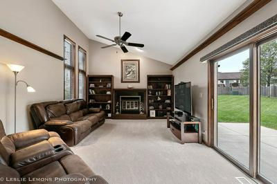 1139 LAKESIDE CT, Naperville, IL 60564 - Photo 2