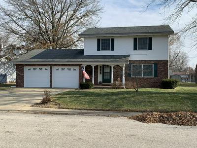 66 HOLIDAY DR, CLINTON, IL 61727 - Photo 1