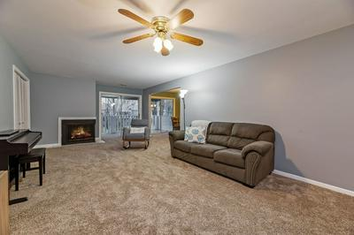 2075 CREEKSIDE DR APT 2-1, Wheaton, IL 60189 - Photo 2