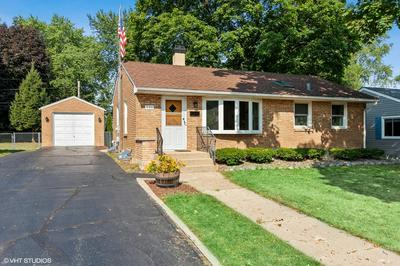 132 N CHASE AVE, Bartlett, IL 60103 - Photo 1